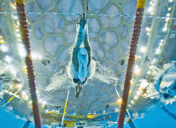 图文-男子400米混合泳预赛 菲利普斯如同水下鱼雷