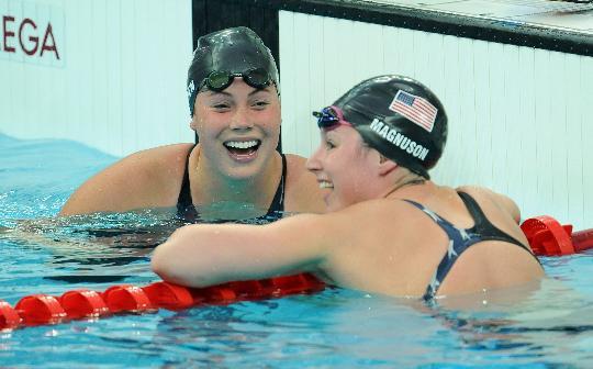 图文-女子100米蝶泳半决赛赛况 美国选手晋级决赛