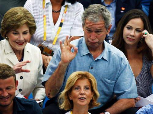图文-布什盖茨相约水立方 布什表情俏皮