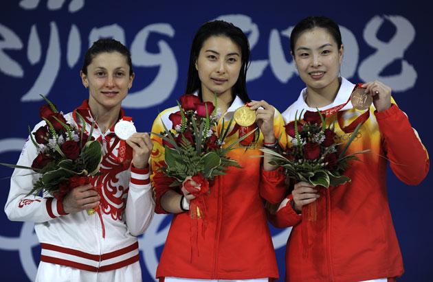 图文-[奥运]女子跳水三米板 郭晶晶的金牌最耀眼