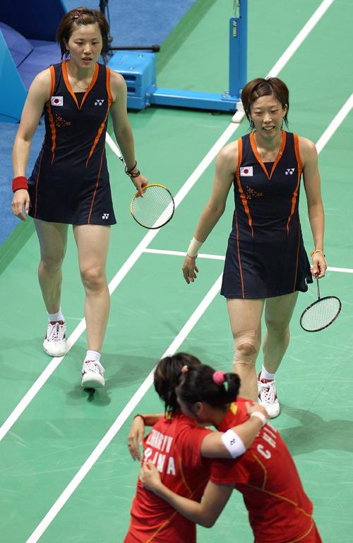 图文-[奥运]羽毛球女子双打 魏轶力/张亚雯获铜牌