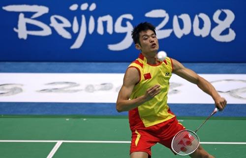 图文-中国羽毛球队进行赛前训练 林丹表现引人注目