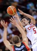 图文-[奥运]男篮59-55德国 刘炜在诺天王前跳投