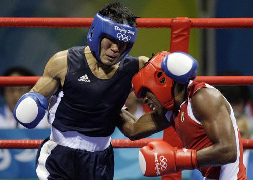 图文-[奥运]拳击男子69公斤 灵与肉的搏击