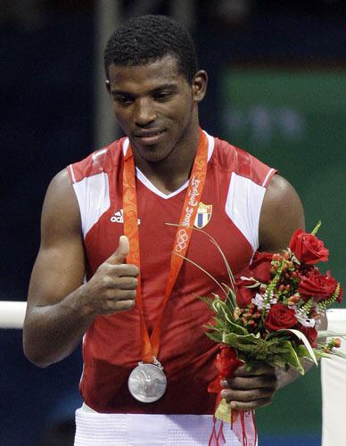 图文-[奥运]拳击男子69公斤 银牌仍是种荣耀