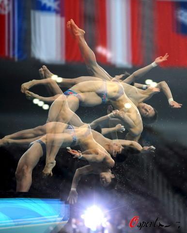 图文-男双10米台林跃火亮夺冠 流光幻影