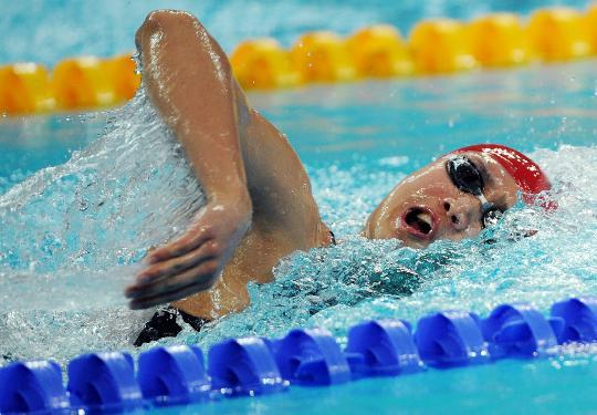 图文-张琳进1500米自由泳决赛 乘风破浪在此时