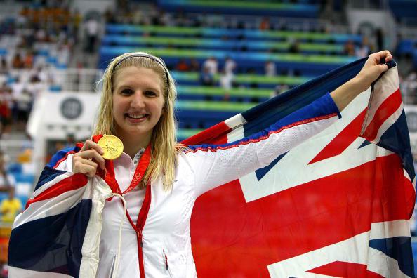 图文-女800米自阿德灵顿夺冠 冠军笑容无比灿烂