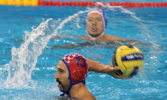 18日男子水球赛况