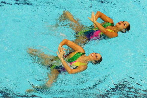 图文-奥运会花样游泳自由自选预赛 表情很甜美