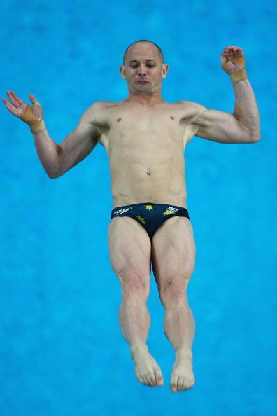 图文-周吕鑫火亮晋级10米台半决赛 不知这跳如何