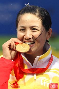 张娟娟打破韩国神话一环险胜夺中国奥运射箭首金