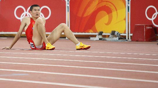 图文-史冬鹏无缘110米栏决赛 大史有些无奈