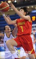 图文-[奥运会]中国女篮80-63新西兰 上篮如此轻松