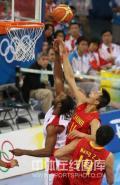 图文-[奥运会]中国男篮85-68安哥拉 阿联背后封盖