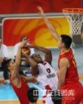 图文-[奥运会]中国男篮85-68安哥拉 阿联姚明联防