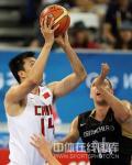 图文-[奥运会]中国男篮VS德国 王治郅轻松投篮