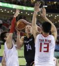 图文-[男篮]中国胜德国晋级8强 诺维斯基陷围困