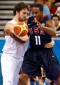 图文-[男篮小组赛]美国119-82西班牙 两大中锋单挑