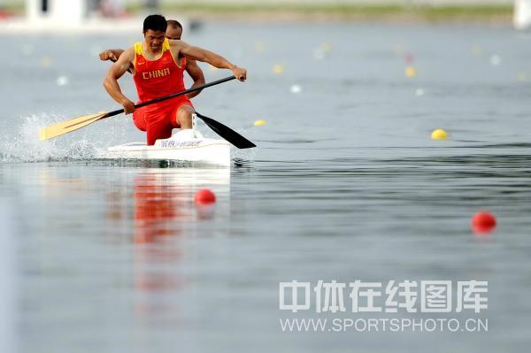 图文-孟关良/杨文军500米划艇卫冕 一路领先
