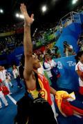 图文-奥运会男子鞍马决赛 肖钦感谢观众支持