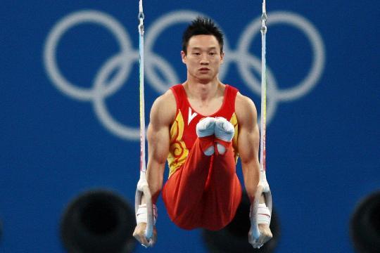 图文-杨威获吊环亚军 中国选手杨威