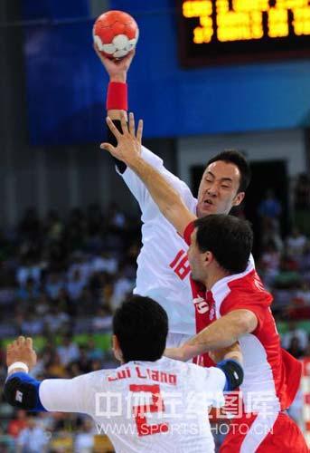 图文-[男手]中国22-33负克罗地亚 精彩射门被堵