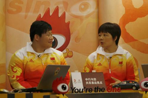 图文-奥运柔道冠军佟文做客新浪 教练讲述夺金之路