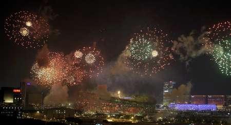 图文-北京奥运会闭幕式现场 焰火点亮京城