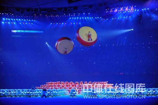 图文-北京奥运会闭幕式现场 鼓成为闭幕式要素