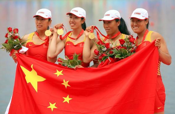 女子四人双桨中国夺金
