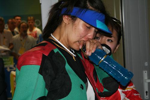 图文-杜丽获北京奥运会第五名 难掩失望失声痛哭