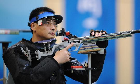 图文-50米步枪三姿赛邱健夺冠 邱健赛中很是平静