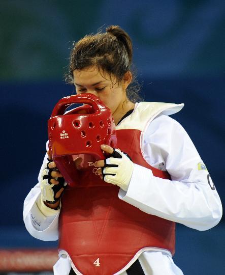 图文-跆拳道女子67公斤以上级 埃斯皮诺萨亲吻护具