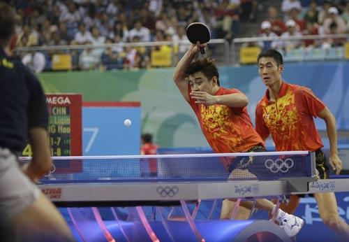 图文-中国男乒团体赛轻取希腊 王皓王励勤组合