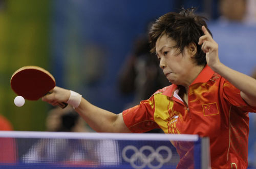 图文-乒球女团国乒3-0新加坡 张怡宁稳健出击