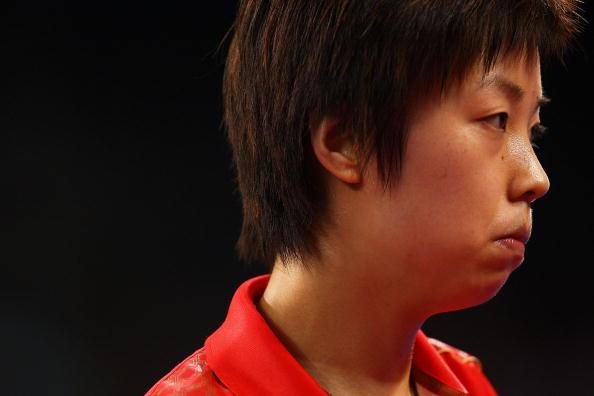 图文-乒球女团国乒3-0新加坡 张怡宁信心十足