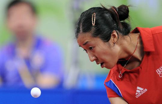 图文-乒乓球女单第二轮开战 羡宜芳不敌柳絮飞