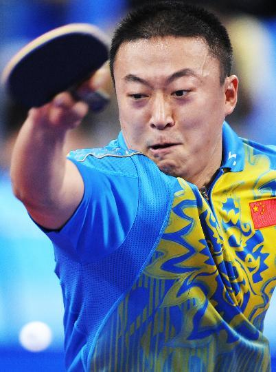 图文-乒乓球男单第三轮马琳晋级 马琳在比赛中击球