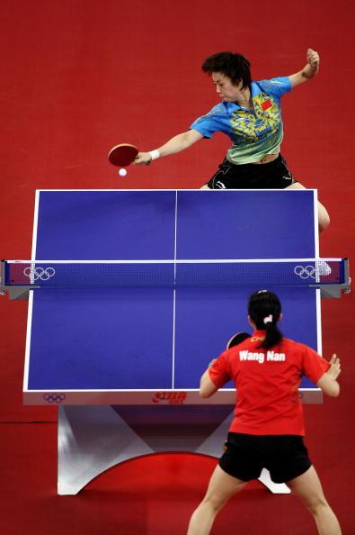 图文-奥运会女子单打决赛 张怡宁扣杀王者风范