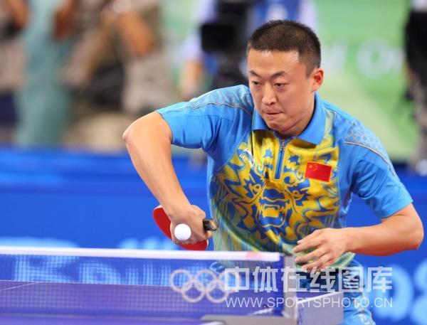 图文-马琳夺乒乓球奥运男单金牌 马琳攻势凌厉