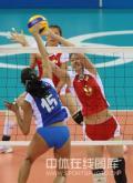 图文-女排小组赛中国3-0委内瑞拉 赵蕊蕊奋力拦网