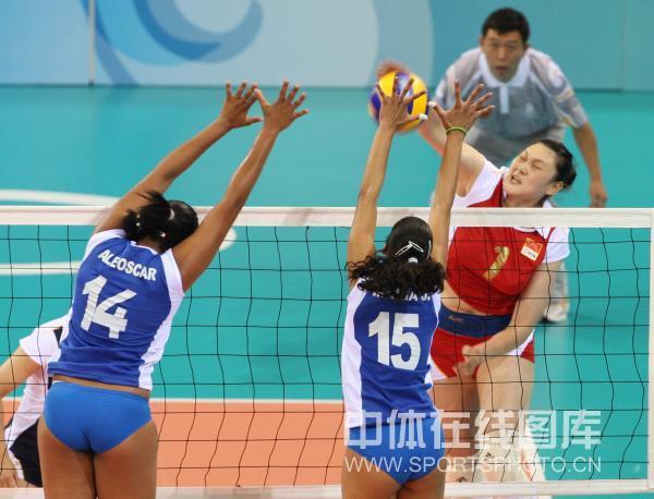图文-中国女排3-0委内瑞拉 王一梅凶猛扣杀