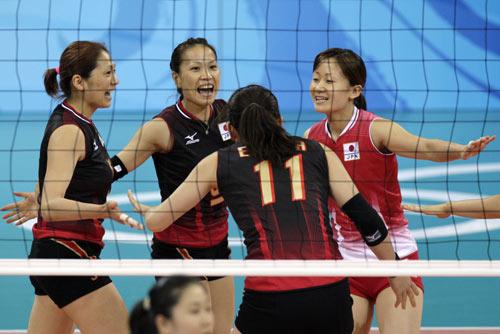图文-[女排]中国队3-0日本 对手庆祝得分