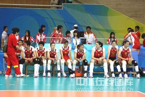 图文-奥运女排半决赛中国负巴西 难以接受现实