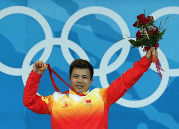 图文-举重62公斤级张湘祥夺金 令人骄傲激动的一刻