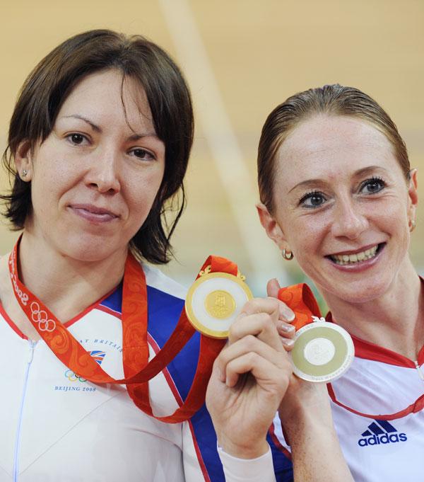 图文-女子自行车个人追逐赛 英国姑娘包揽冠亚军