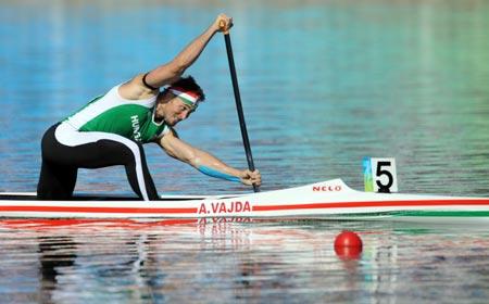 Vajda of Hungary wins men's canoe single (C1) 1,000m gold
