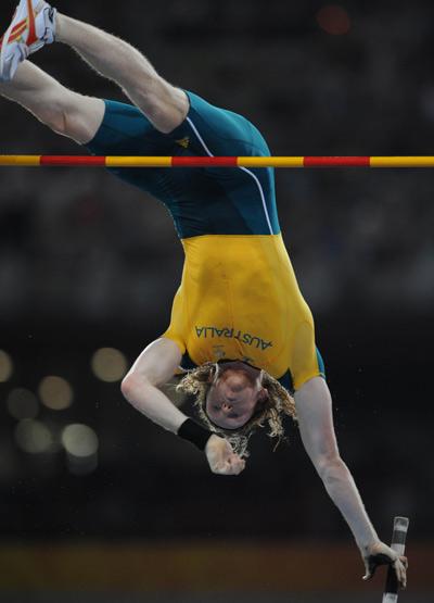 Hooker of Australia wins Men's Pole Vault gold