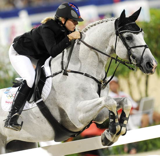 图文-马术障碍赛精彩回顾 女骑手表现不俗